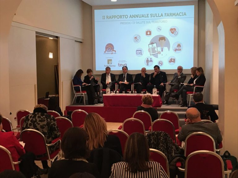 GLI ITALIANI SI FIDANO DELLE FARMACIE, IN ARRIVO NUOVI SERVIZI