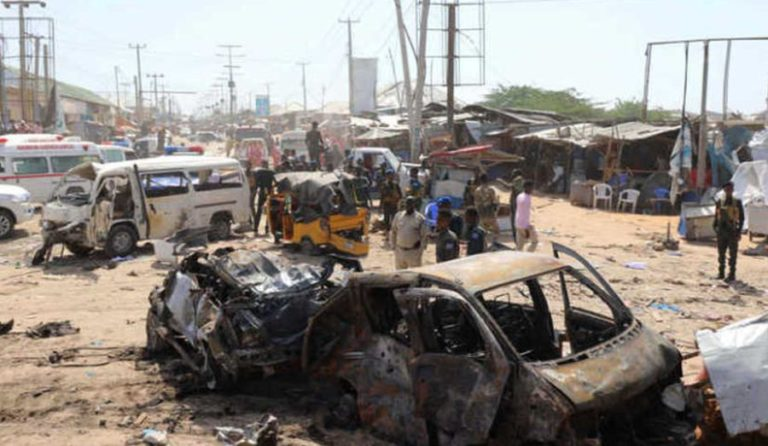 SOMALIA, ATTENTATO KAMIKAZE CON AUTOBOMBA A MOGADISCIO