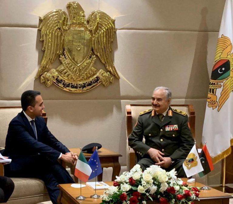 """Libia, Di Maio incontra Haftar """"La soluzione non può essere militare"""""""