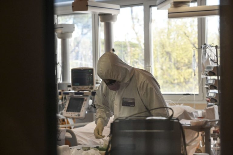 Coronavirus, In Italia 57.521 positivi, 7.503 morti e 9.362 guariti