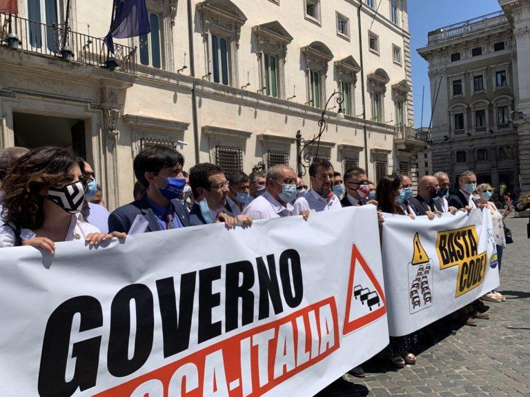 """Salvini """"La Liguria ostaggio di Pd e M5S, sbloccare i cantieri"""""""