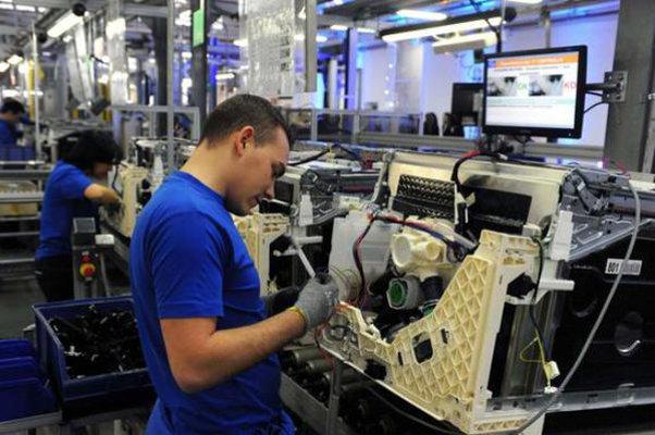 A maggio torna a crescere la produzione industriale in Europa